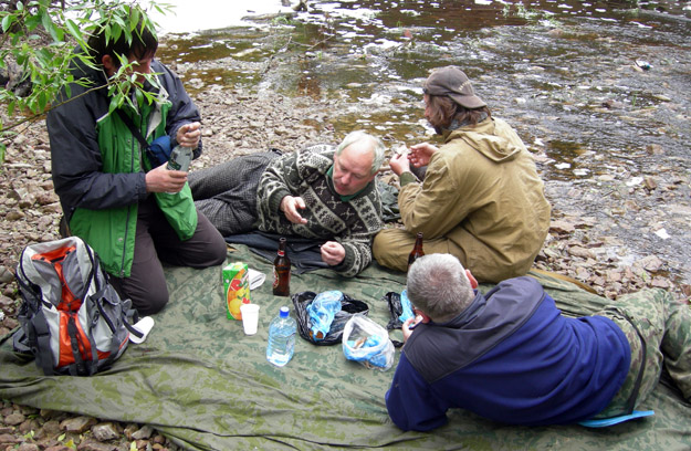 Typical field lunch of smoked fish, beer and (of course) vodka.