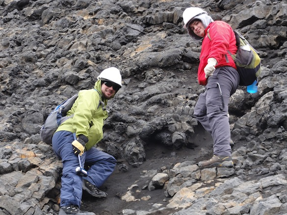 Meanwhile, the rest of us are mapping and sampling the different units. Adam ('16, Wooster) and Aleks ('14, Dickinson) are ready to sample a glassy pillow lava.