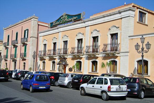 10. Hotel in Milazzo 060913