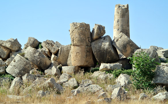 9. Selinunte ruined temple 060713