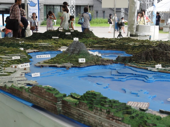 An over-sized 3-D relief map shows Sakurajima nestled snugly into Kagoshima Bay, emphasizing just how important volcanic hazards are to the people of Kagoshima.