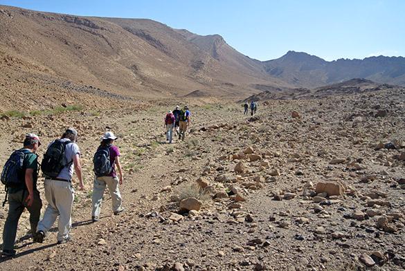 Hike begins 041014
