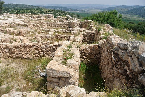 Khirbet Qeiyafa double wall 041314