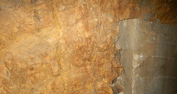 Muschelkalk bunker wall 062014