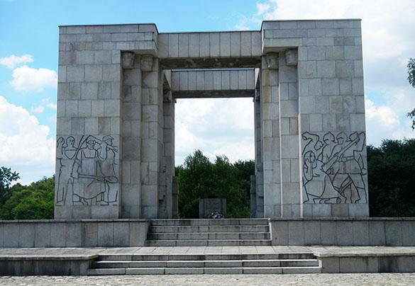 Silesian monument 1 061814