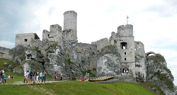 Zamek Ogrodzieniec view 061914