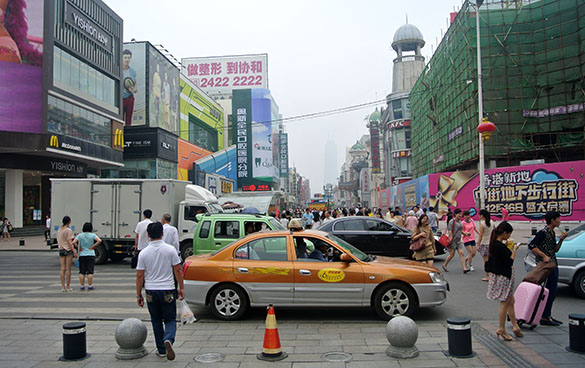 Shenyang busy street 070314