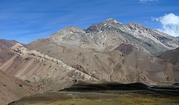 01ViewOppositeAconcagua100114