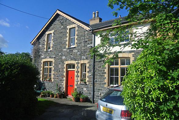 2 Tim Caroline house