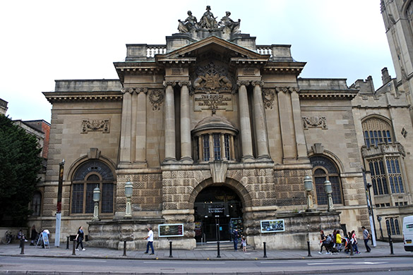 2 Bristol City Museum and Art Gallery