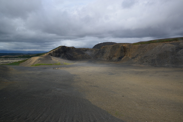 A view looking NE into Undirhlidar quarry on a moody Icelandic day. (Photo Credit: Ben Edwards)